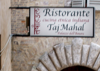Restaurant bilingual sign Italain